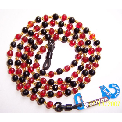 CHADES by URSULA GLASS BEAD SPECTACLE CHAIN ~ Red / Black